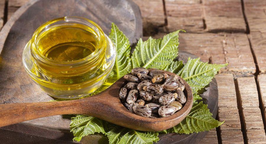 L'olio di ricino, l'ingrediente top per la salute dei capelli
